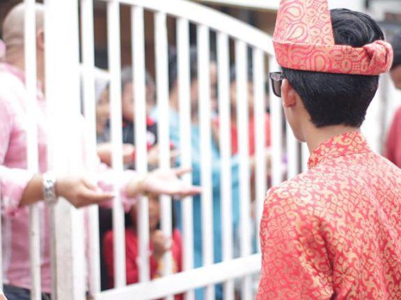 'Nak bersanding, Bayar tol dahulu', Adat perkahwinan Johor yang meriah