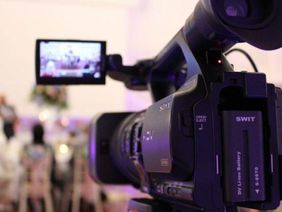 Abadikan memori perkahwinan yang indah dengan 5 tips memilih Videografer terbaik