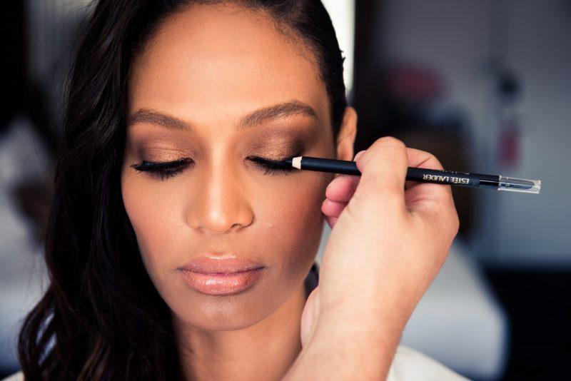 Tips make-up untuk si ratu sehari agar tidak bercapuk