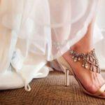 Tips selamat elak jatuh terjelepuk atas pelamin sebab pakai kasut tumit tinggi