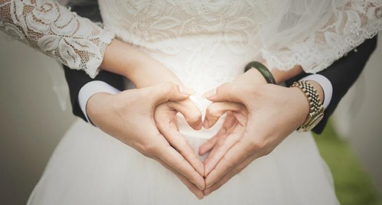 Betul ke umur 25 hingga 32 adalah waktu paling sesuai berkahwin? Ini sebabnya…