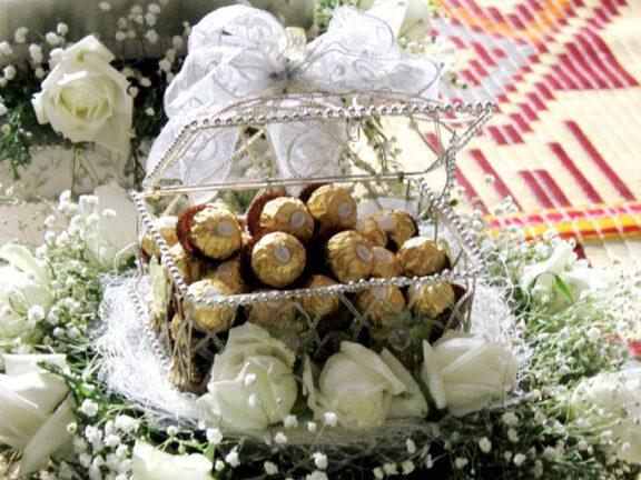 8 Idea hantaran coklat yang buat kita cair
