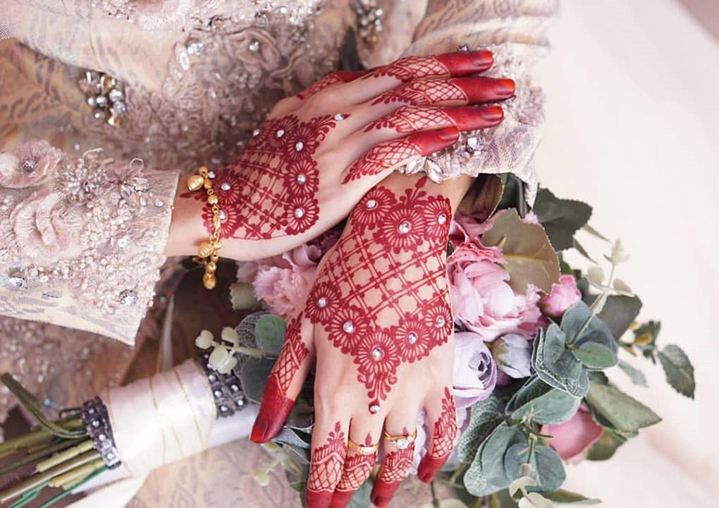 Inspirasi inai henna buat pengantin lebih berseri